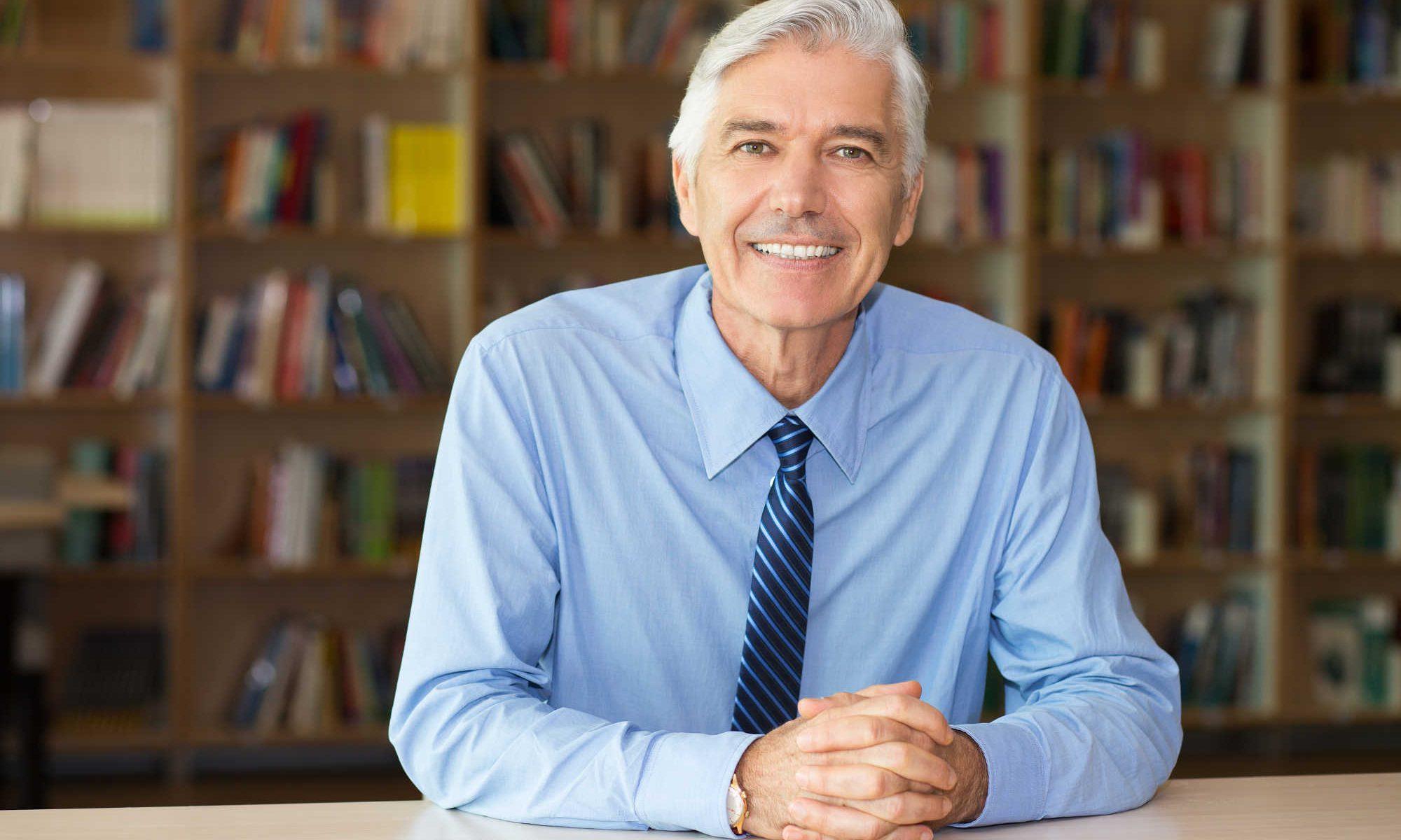 Profesor emérito en biblioteca