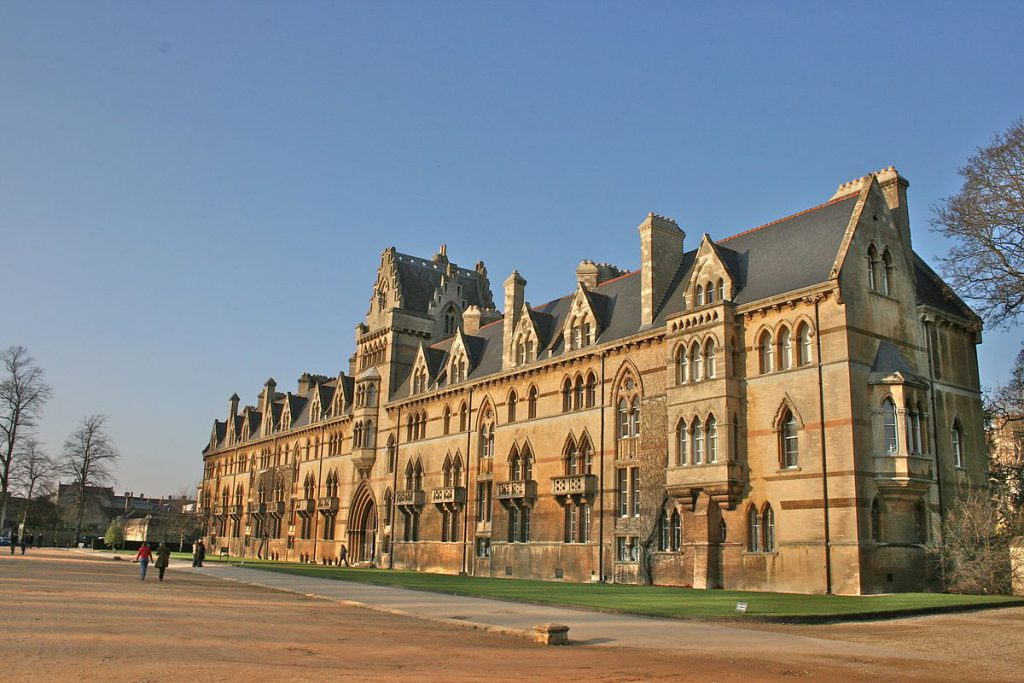 Universidad de Oxford.